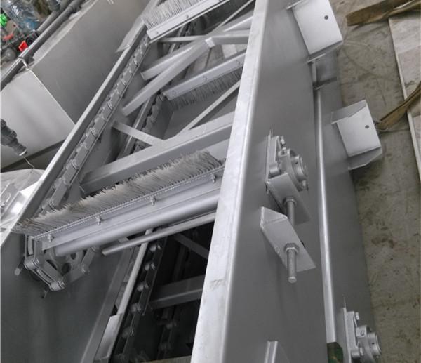 格栅除污机使用时要注意筛网的选取